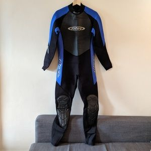 TILO Women full wetsuit size M